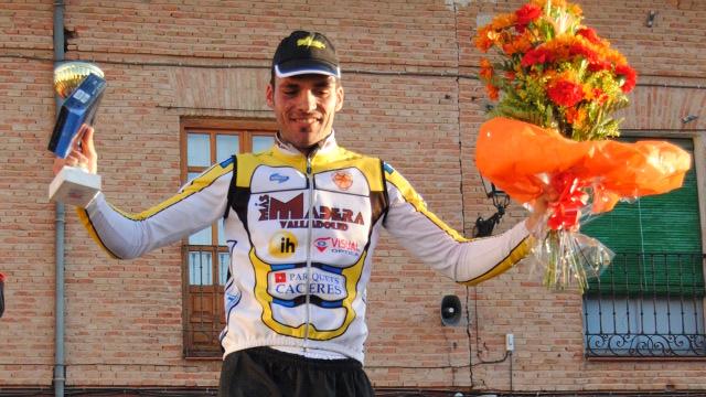 Fran en el podium como vencedor de la carrera de Lerma 2011