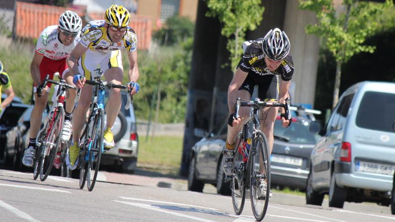 Sprint por el 2º y 3º puesto (Ion Zeberio y Jesús Ángel del Pozo)