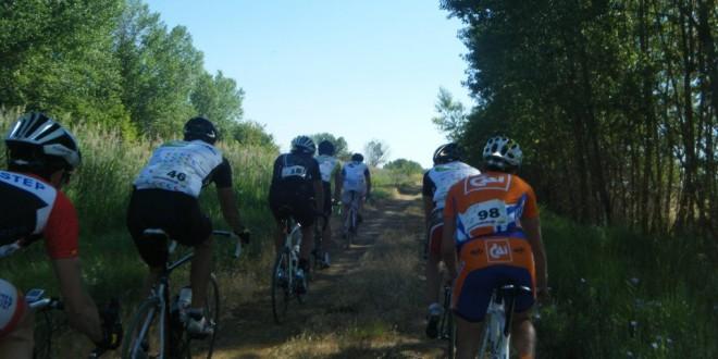 Rodando por las sirgas del Canal de Castilla