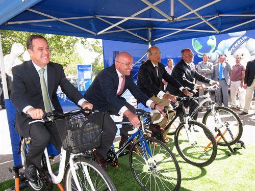 Políticos en bici