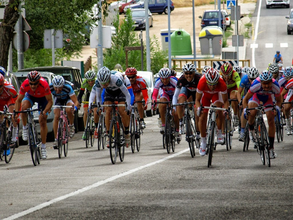 Sprint del pelotón. Foto: AC Marriott