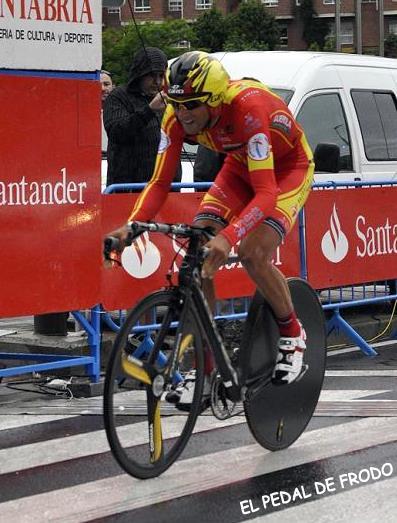 Luciendo el maillot de Campeón de España CRI. Foto: El Pedal de Frodo.