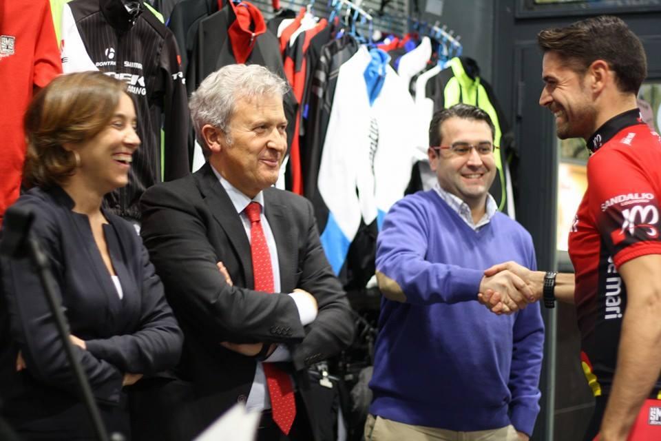 autoridades_bicicletas_josemari