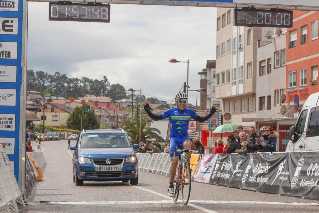 Vencedor de la primera etapa. Foto: Vuelta a Galicia Máster.