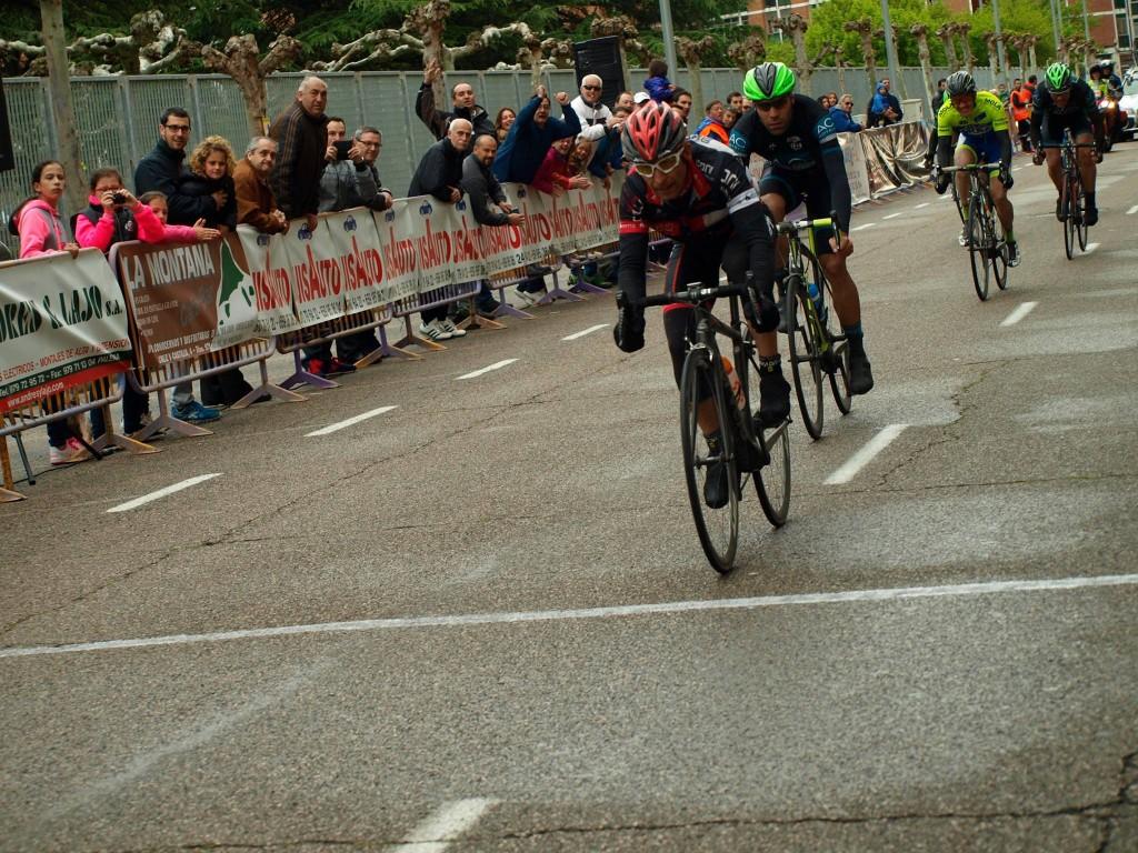 Sprint por el segundo puesto. Foto: Gema