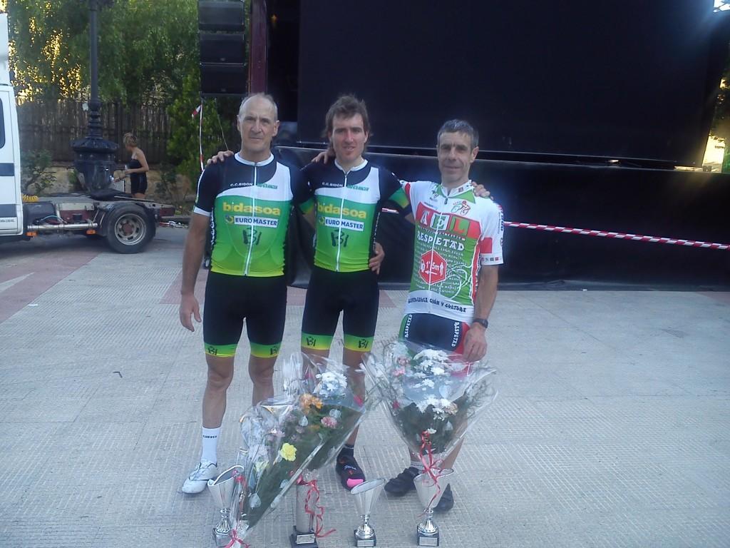 De izquierda a derecha: Luciano Mitxelena, Ion Zeberio y Francisco Javier Meoki.