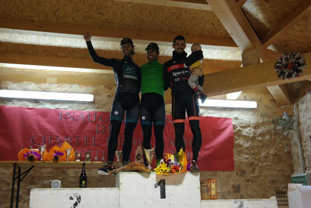 1º Gonji, 2º Larrea, 3º Alberto (con Nicolás)