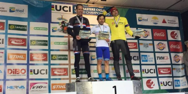 """Agustín Navarro """"Guti"""" se proclama Campeón del Mundo de Ciclocross"""
