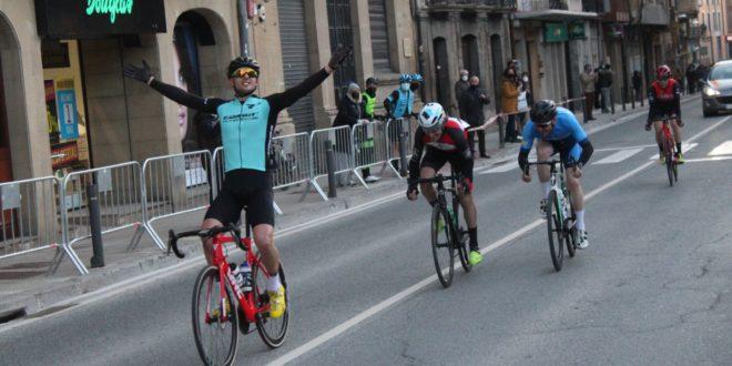 Erik Altuna gana en Tafalla